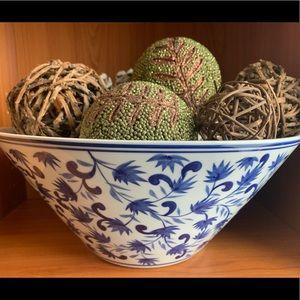 Pottery Barn Indigo Serving Tabletop Large Bowl
